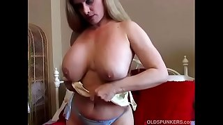Beautiful big tits old..