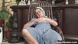 Knitting 70 year old grandma..