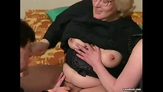 Hairy Granny gets dildoed..
