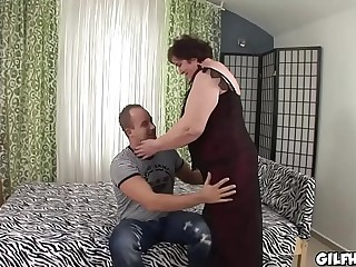 Old granny fucked by young..