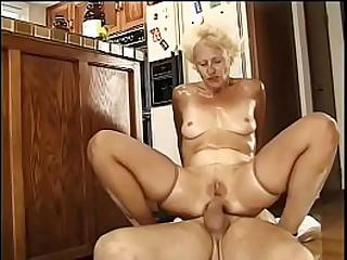 Granny blonde whore gets her..