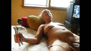 Watch my old slut pumping..